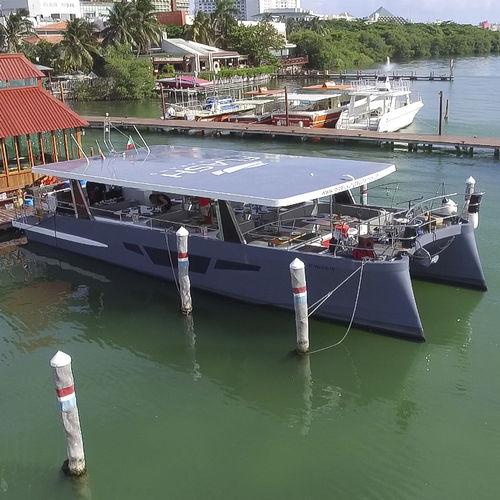 Motor-yacht catamaran / de charter / hard-top FLASH CAT 58 PASSENGER Flash Catamarans