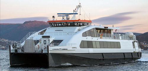 bateau à passagers / catamaran / in-bord hydrojet / en aluminium
