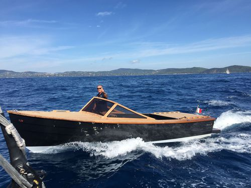 Runabout in-bord / à double console / en carbone / traditionnel Bahama 24 Black Pepper