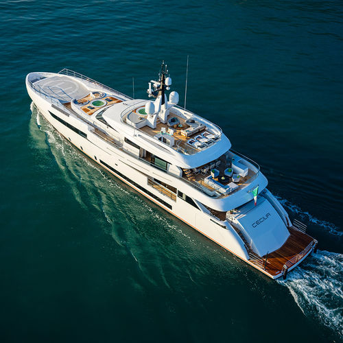 mega-yacht de croisière / raised pilothouse / en aluminium / 8 cabines