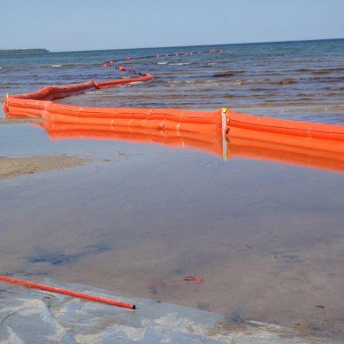 barrage antipollution / flottant / pour rivière / pour zone à marnage