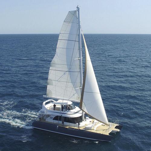 catamaran / de charter / cockpit ouvert