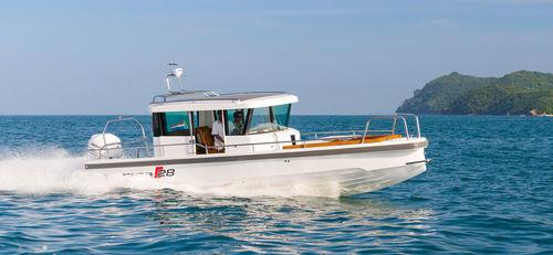 Coque open hors-bord / à console centrale / hard-top / à cockpit fermé 28 Axopar Boats Oy
