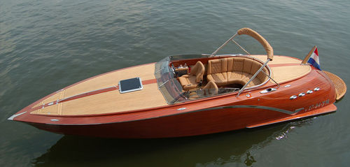 Runabout in-bord / à double console / en bois / traditionnel WALTH 800 Walth Boats
