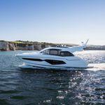 motor-yacht de croisière / à fly / 3 cabines