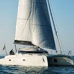 catamaran / de course-croisière / cockpit ouvert / en carbone