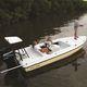 flat boat hors-bord / à console centrale / de pêche sportive / 6 places