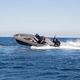 bateau pneumatique hors-bord / bimoteur / semi-rigide / à console centrale