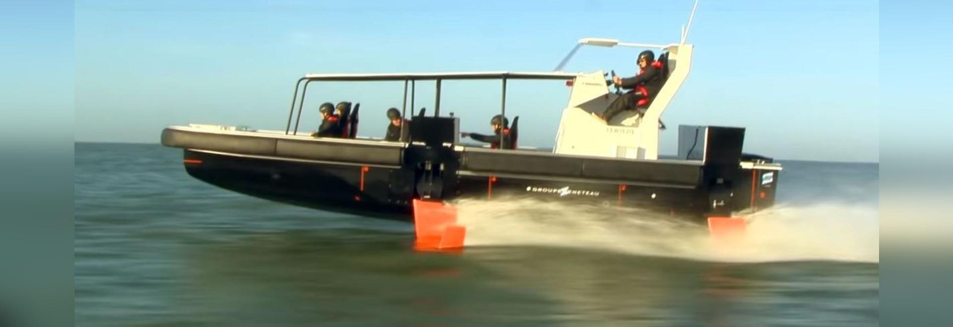 Groupe Beneteau dévoile son premier foiler de moteur