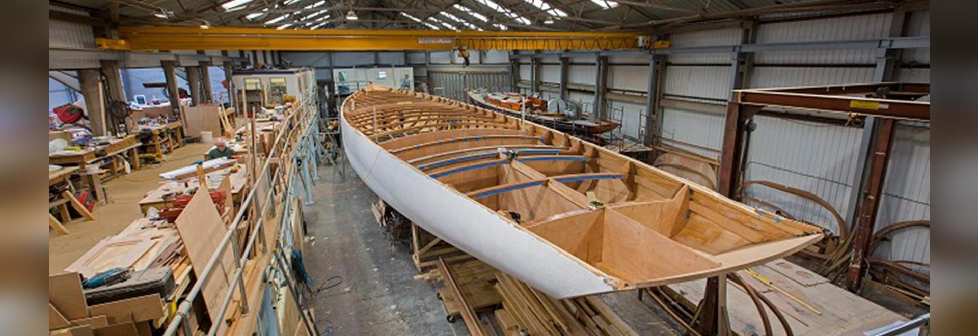 Mise à jour de construction sur le yacht de navigation de navire amiral de l'esprit 111