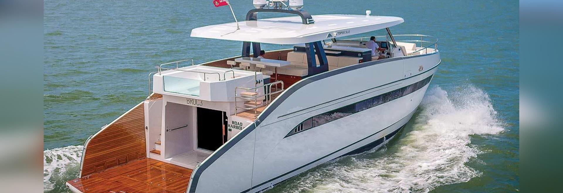 Voyez l'Astondoa 65 au salon nautique international de Fort Lauderdale