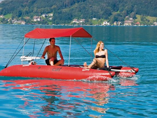 catamaran gonflable de toit du soleil