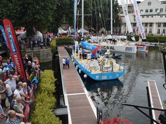 Au cœur de Londres, sur la Tamise, Poralu Marine remet à neuf la marina des St-Katharine Dock