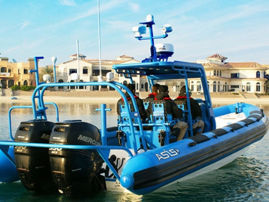 Le bateau gonflable de la coque rigide militaire la plus avancée des mondes a lancé à NAVDEX