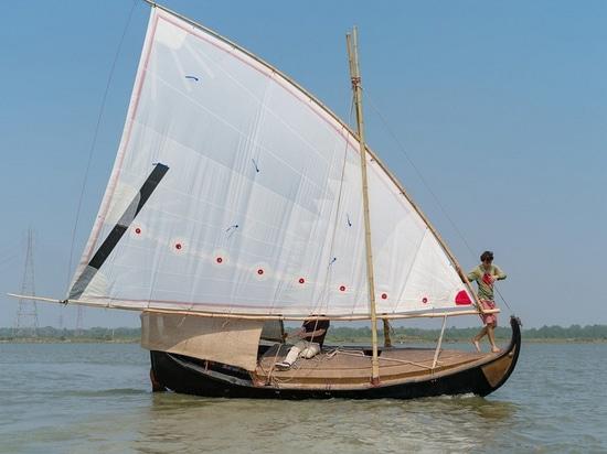 La coque du deuxième bateau, or du Bengale, est le jute 100% (la courtoisie de l'or du Bengale)