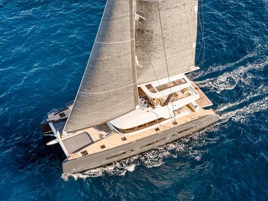 La lagune soixante-dix 7 (courtoisie de bateau international de Miami)