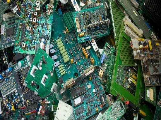 E-déchets marins : Fièvre de l'or ou naufrage