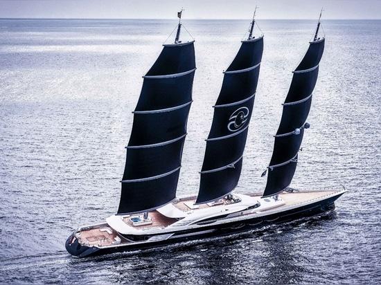 Le plus grand yacht de navigation de DynaRig du monde a livré