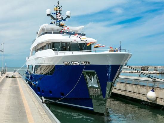 Numéro d'enregistrement de superyachts sous contrat chez CdM