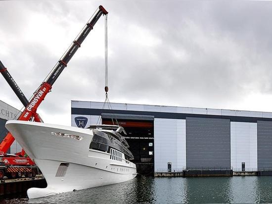 Le projet Antares de Heesen 55m a lancé