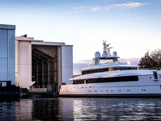 le yacht Najiba de Feadship Vitruvius-conçu par 58m a lancé