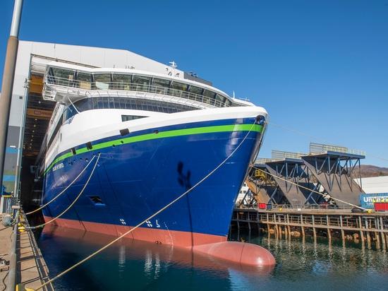 Lancement du navire hybride rechargeable Color Hybrid par Ulstein