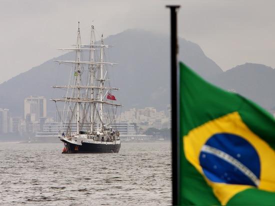 CONFIANCE DE NAVIGATION DE JUBILÉ À LA VOILE À RIO POUR LA COUPE DU MONDE 2014