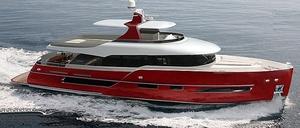 yacht-acier