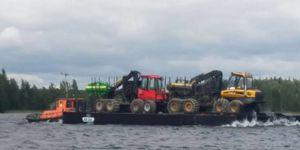 bateau professionnel barge de travail