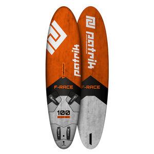 planche à voile de race / de slalom