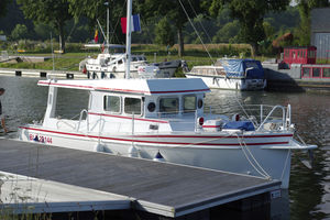 motor-yacht convertible