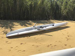 bateau d'aviron de course