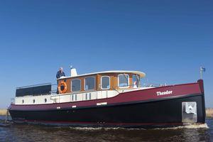 trawler in-bord / avec timonerie / fluvial