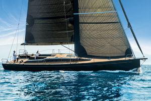 sailing-yacht de course-croisière / cockpit ouvert / 8 couchages / double barre à roue