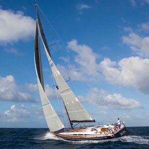 sailing-yacht de grande croisière / cockpit ouvert / 3 cabines / à double safran