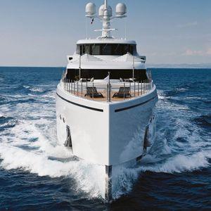 mega-yacht de croisière / raised pilothouse / 6 cabines / à étrave verticale