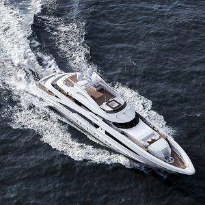 mega-yacht de croisière / raised pilothouse / aluminium / coque semi-planante