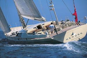 sailing-superyacht de croisière / salon de pont / en carbone / sloop