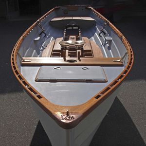 bateau d'aviron de loisir / skiff
