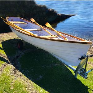 bateau d'aviron de loisir / traditionnel / deux de couple