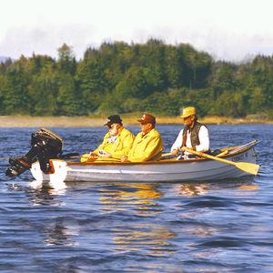 canot à rames de pêche