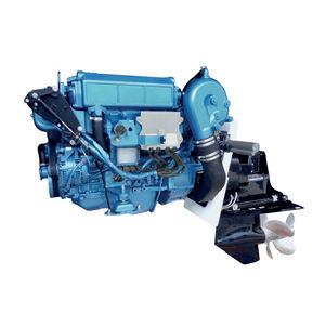 moteur stern-drive