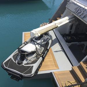 bossoir pour yacht
