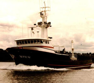 navire de pêche professionnelle palangrier