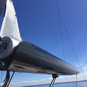 bôme pour sailing-yacht / enrouleur / sur mesure / en carbone