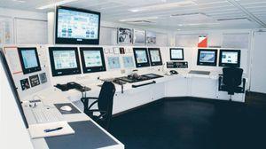 système de contrôle et commande pour navire