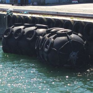 pare-battage de navire / portuaire / de quai / pneumatique
