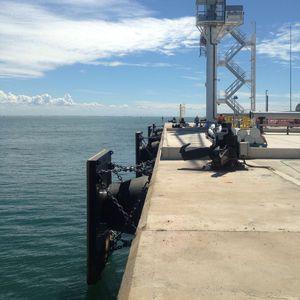 défense pour port / de quai / conique