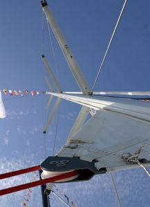 mât de voilier / enrouleur / en aluminium