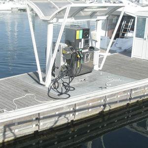 station essence flottante pour marina